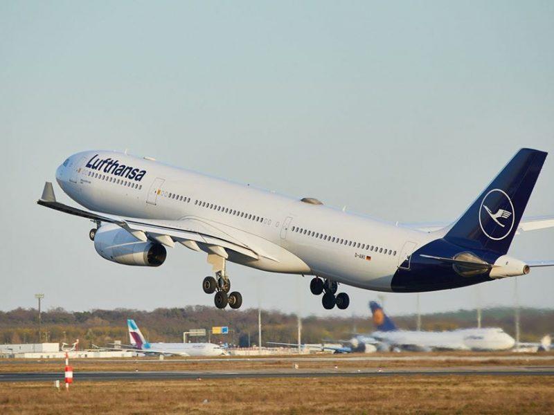 Startujący samolot Lufthansy