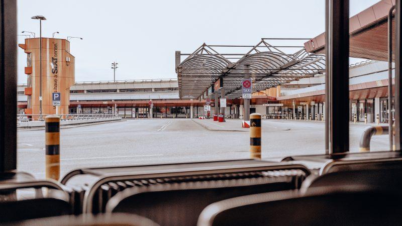 Lotnisko Tegel w Berlinie zawiesza działalność na 2 miesiące. Wątpliwe jest czy zostanie jednak ponownie otwarte (Photo by Marina Juli on Unsplash)
