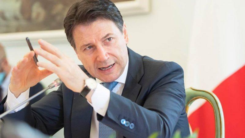 """""""Musimy wymyślić Włochy od nowa"""", powiedział na zakończenie konsultacji konsultacje pod nazwą """"Planujemy odbudowę"""" (wł. """"Progettiamo il Rilancio"""") premier Giuseppe Conte"""