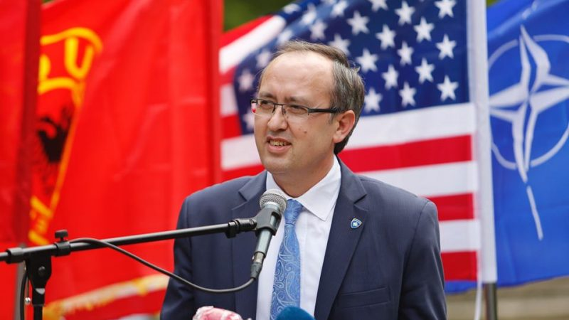 Kosowo i Serbia podchodzą z różnym nastawieniem do zaplanowanego na koniec czerwca spotkania przywódców obu krajów w Waszyngtonie. Rosja zapewnia Serbię o swoim wsparciu.
