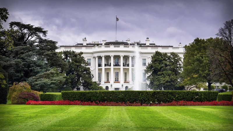 Donald Trump szuka możliwości na odniesienie sukcesu w polityce zagranicznej przed wyborami prezydenckimi w USA?