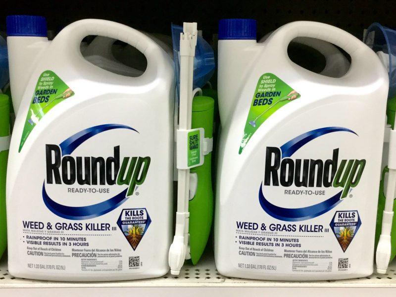 Niemiecki koncern chemiczny Bayer osiągnął ugodę o wartości 10,9 mld dolarów z powodami w sprawie dotyczącej środka chwastobójczego - Roundup