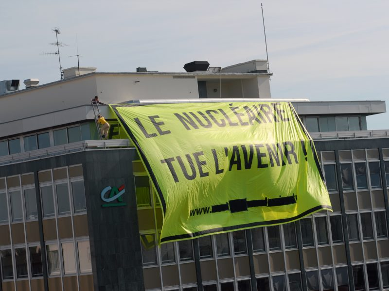 Demonstracje przy elektrowni w Fessenheim, 2009 [fot. Réseau Sortir du nucléaire, Flickr}