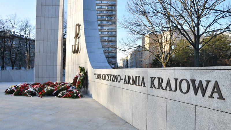 Pomnik Armii Krajowej koło Sejmu RP, źródło: Flickr/Sejm RP (fot. Kancelaria Sejmu/Łukasz Błasikiewicz/CC BY 2.0)