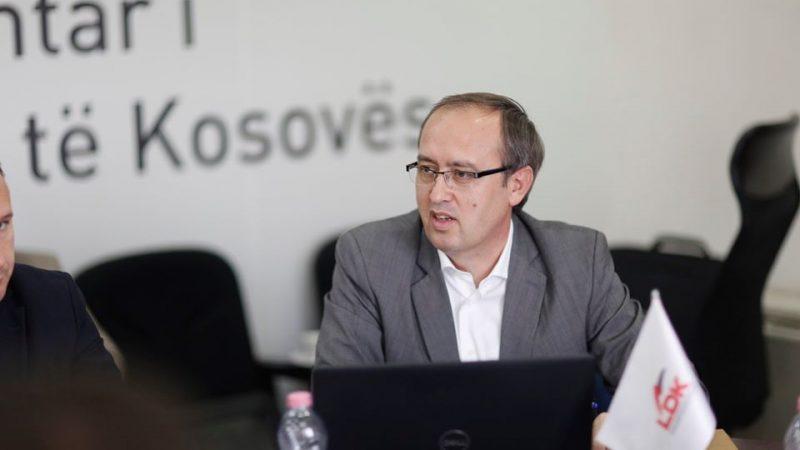 Premier Kosowa Avdullah Hoti rozpoczął urzędowanie od wykonania gestu w stronę normalizacji stosunków z Serbią.
