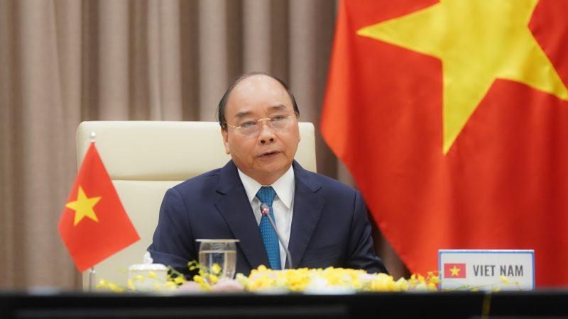 Bank Światowy informuje, że porozumienie o wolnym handlu Wietnamu z Unią Europejską przyczyni się do wyciągnięcia z ubóstwa w ciągu najbliższej dekady od 100 tys. do 800 tys. Wietnamczyków.