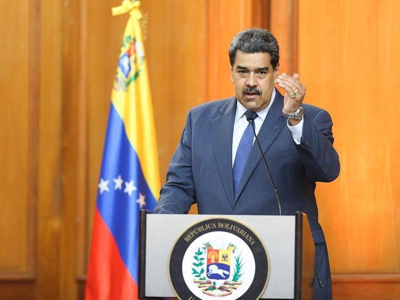 Nowe unijne sankcje dla 11 wenezuelskich polityków i parlamentarzystów spotkały się z natychmiastową reakcją prezydenta Nicolása Maduro. Przewodnicząca unijnej delegacji -Isabel Brilhante Pedrosa - otrzymała 72 godz. na opuszczenie Wenezueli.