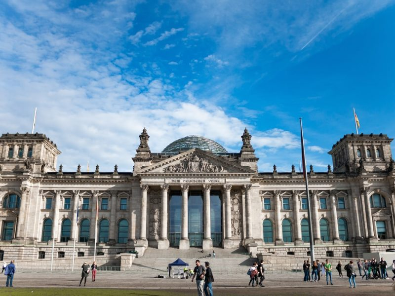 Gmach niemieckiego parlamentu - Reichstag [Unsplash]