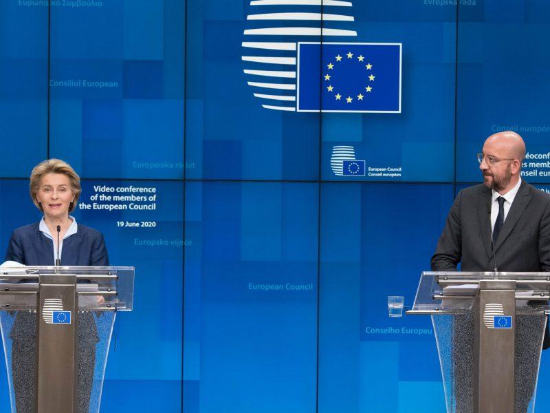 Przewodnicząca KE Ursula von der Leyen oraz szef Rady Europejskiej Charles Michel, źródło: EC - Audiovisual Service/European Union 2020, fot. Etienne Ansotte