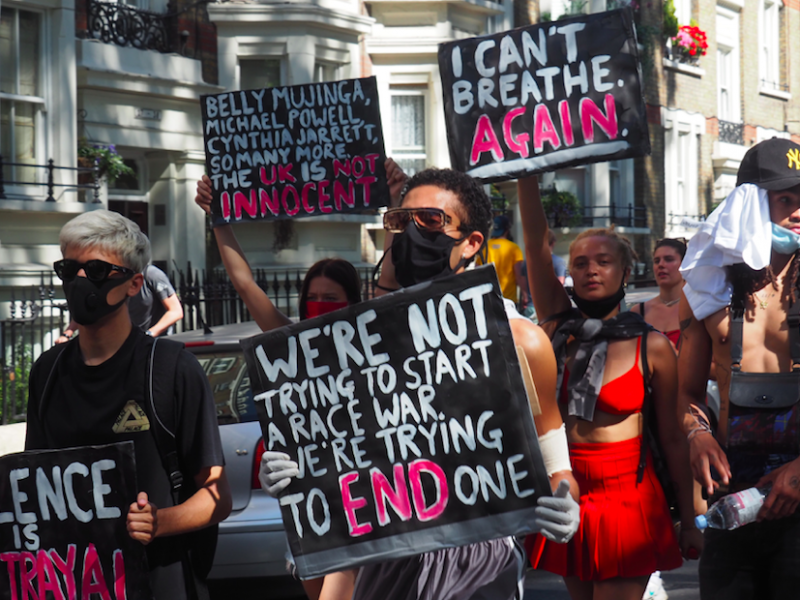 Protest przeciw rasizmowi w Londynie (Photo by Walid Hamadeh on Unsplash)