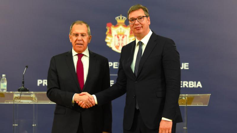 Siergiej Ławrow i Aleksandar Vučić po rozmowach w Belgradzie, źródło: Facebook/Александар Вучић