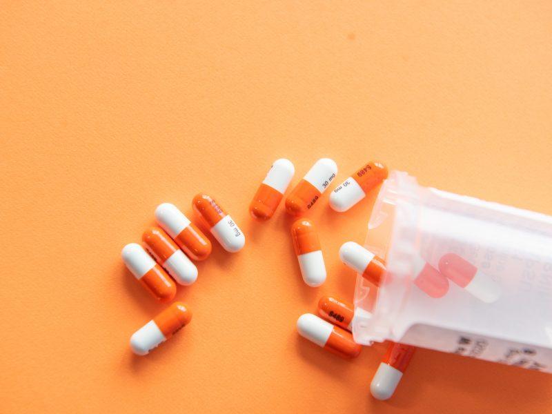 FDA cofnęła swoją akceptację dla podawania hydroksychlorochiny ciężko chorym na COVID-19, fot. Christina Victoria Craft/Unsplash