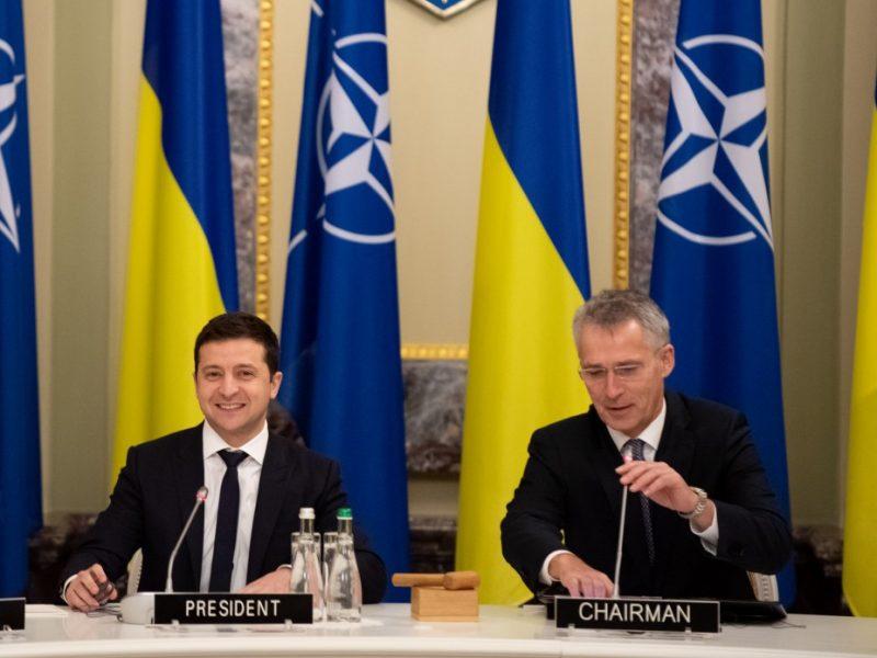 Prezydent Ukrainy Wołodymyr Zełenski i sekretarz generalny NATO Jens Stoltenberg