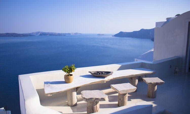 Greckie ministerstwo turystyki poinformowało w piątek (29 maja) o otwarciu granic dla obywateli 29 państw. Jednak dzień później zasady zostały zmodyfikowane.