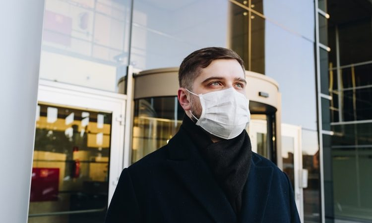 Testy serologiczne przeprowadzone wśród mieszkańców Bergamo w Lombardii wskazują, że ponad połowa mieszkańców mogła zostać zakażona koronawirusem SARS-CoV-2.