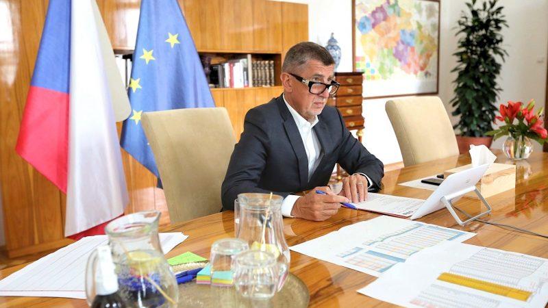 Premier Czech Andrej Babisz (na zdj.) zwrócił uwagę, że propozycja nowelizacji budżetu ma pozwolić utrzymać zatrudnienie poprzez wsparcie inwestycji.