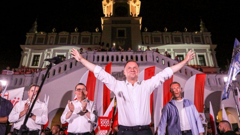 Prezydent Andrzej Duda w kampanii przed drugą turą wyborów prezydenckich [Twitter, @BeataSzydlo]