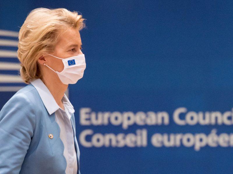 Polscy politycy z reguły pozytywnie oceniają zakończenie unijnego szczytu. Największe kontrowersje budzi jednak kwestia praworządności.