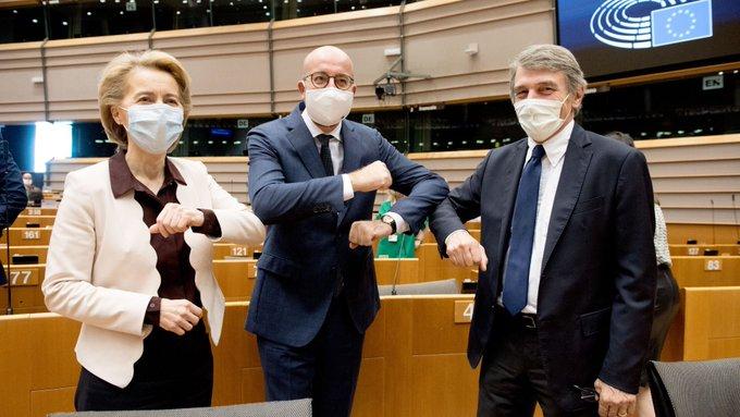 Parlament Europejski przyjął niewiążącą rezolucję, w której wyraził brak akceptacji dla porozumienia Rady Europejskiej ws. wieloletniego budżetu UE w obecnym kształcie.