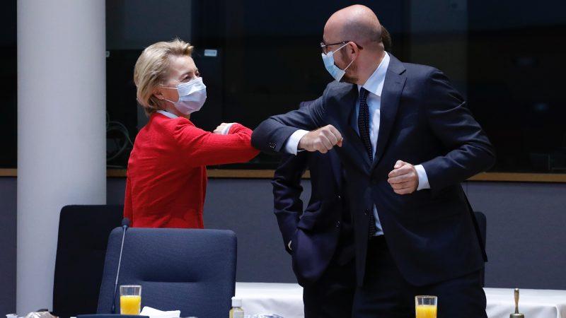 Przewodnicząca Komisji Europejskiej Ursula von der Leyen oraz szef Rady Europejskiej Charles Michel, źródło: EC - Audiovisual Service/European Union, 2020, fot. Jennifer Jacquemart