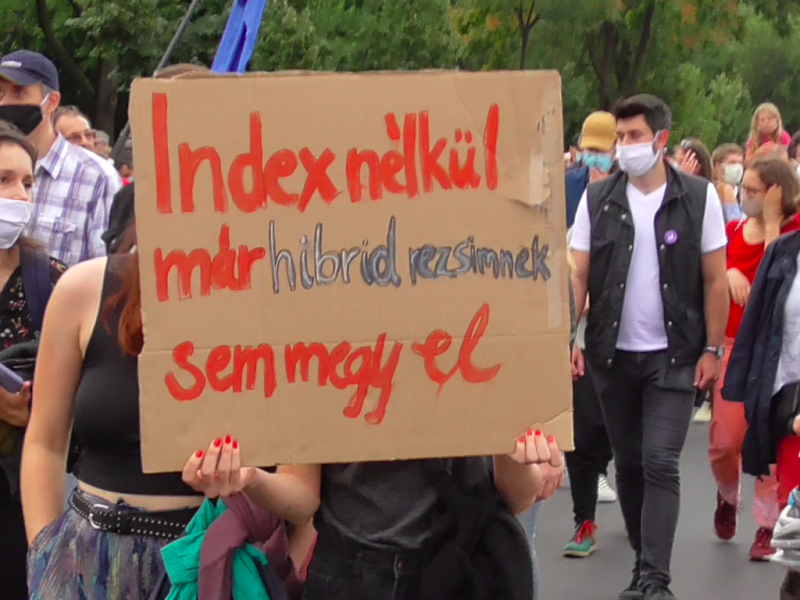 Protest w obronie niezależności mediów w Budapeszcie, źródło: Wikipedia, fot. Attila Szervac (CC BY-SA 4.0)