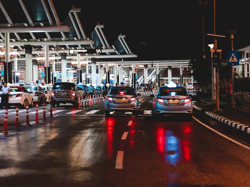 Najpierw Węgry, a teraz Belgia wyłamująsięz unijnego planu otwarcia granic zewnętrznych dla obywateli 15 państw (Photo by Naufal Giffari on Unsplash)