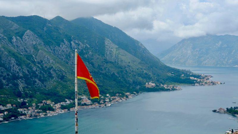 Widok w mieście Kotor w Czarnogórze.