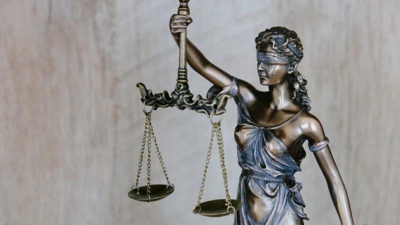 We wtorek ruszył proces 28-latka, który w październiku 2019 r. usiłował wtargnąć z bronią w ręku do synagogi w Halle.