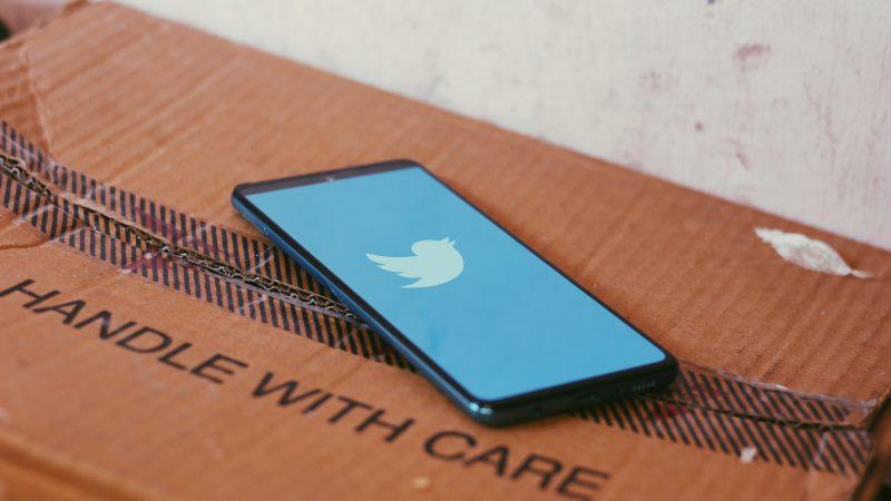 Najnowszy atak hakerski na Twittera okazałsiębyćnajwiększym w historii serwisu (Photo by Ravi Sharma on Unsplash)