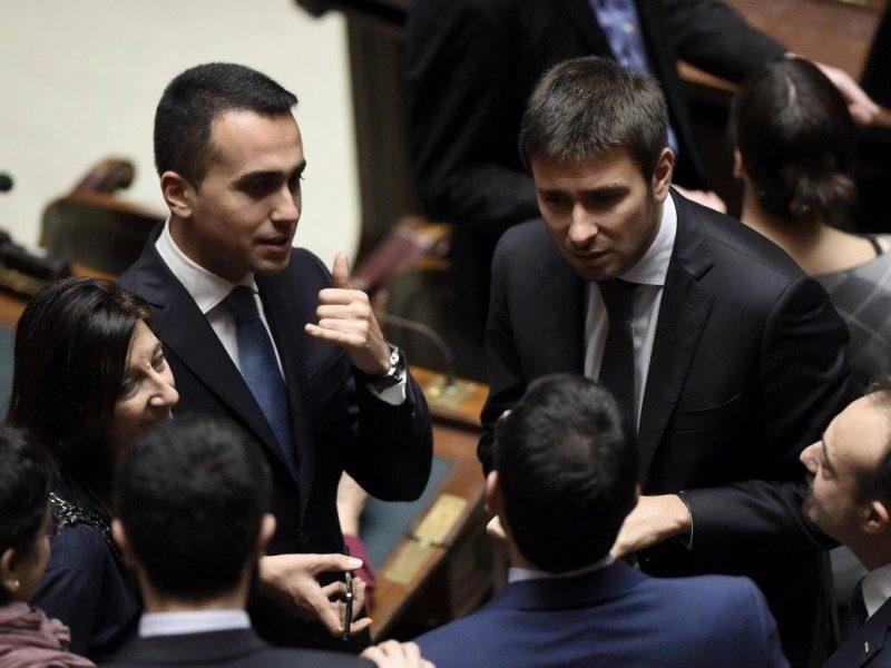Członkowie Ruchu Pięciu Gwiazd: minister spraw zagranicznych Luigi Di Maio i Alessandro Di Battista [Facebook, @LuigiDiMaio]