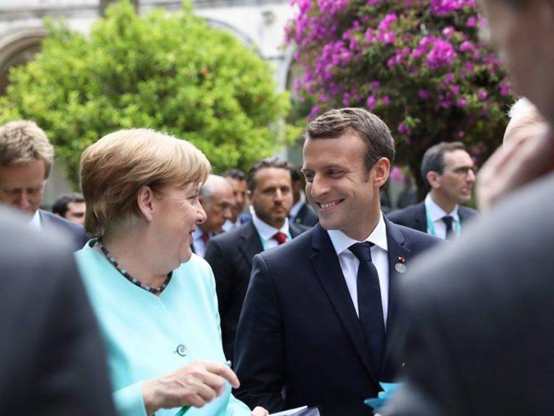 Kanclerz Niemiec Angela Merkel i prezydent Francji Emmanuel Macron podczas szczytu G7 w Taorminie w maju 2017 r. [Facebook, @Emmanuel Macron]