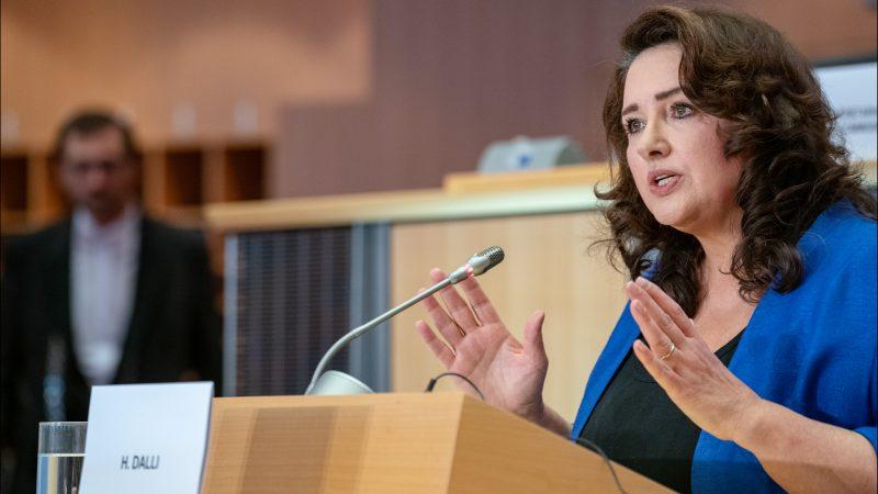 Komisarz ds. równouprawnienia Helena Dalli (CC-BY-4.0: © European Union 2019 – Source: EP)