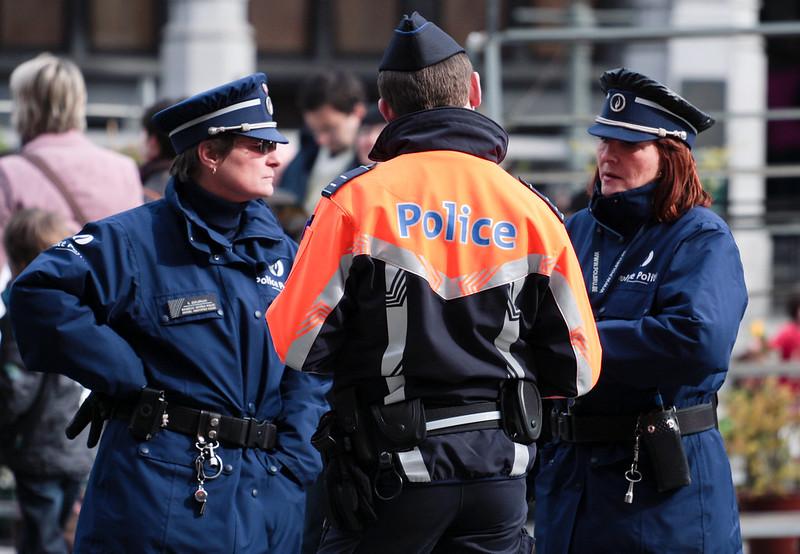 brutalne aresztowanie w Belgii, źródło flicr.com allcreative commons Matthew Kenwrick