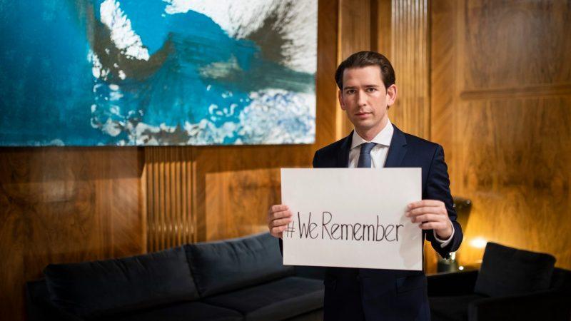 Kanclerz Sebastian Kurz upamiętnia 75. rocznicę wyzwolenia obozu Auschwitz-Birkenau oraz wszystkie ofiary Holokaustu, styczeń 2020 r. [Facebook, Sebastian Kurz, @sebastiankurz.at]