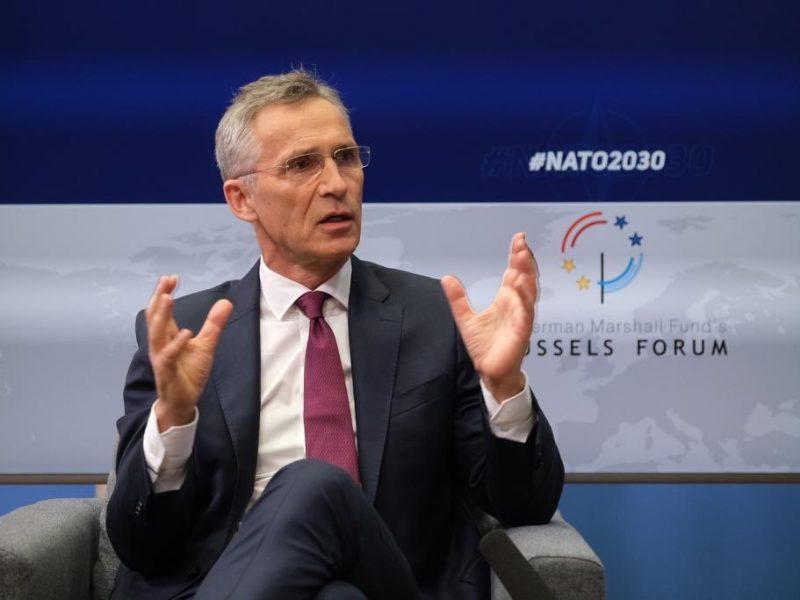 Sekretarz generalny NATO Jens Stoltenberg [Twitter, Oana Lungescu, @NATOpress]