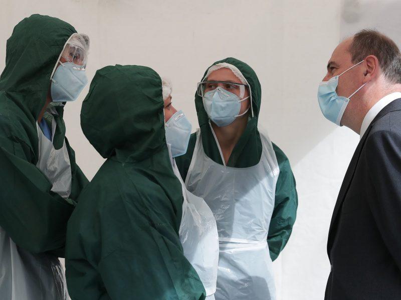 Premier Francji Jean Castex (na zdj. z prawej) jest przeciwnikiem przywracania ścisłego lockdownu.