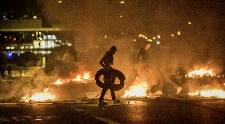 W szwedzkim Malmö prowokacyjne spalenie Koranu doprowadziło sprowokowało uliczne starcia z policją. / Foto via twitter
