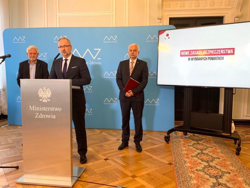 Minister Niedzielski ogłasza nowe regulacje