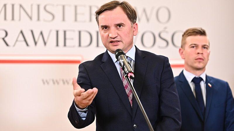Unia Europejska, Polska, Ziobro, Śmiszek, Biedroń, strefa LGBT, ideologia