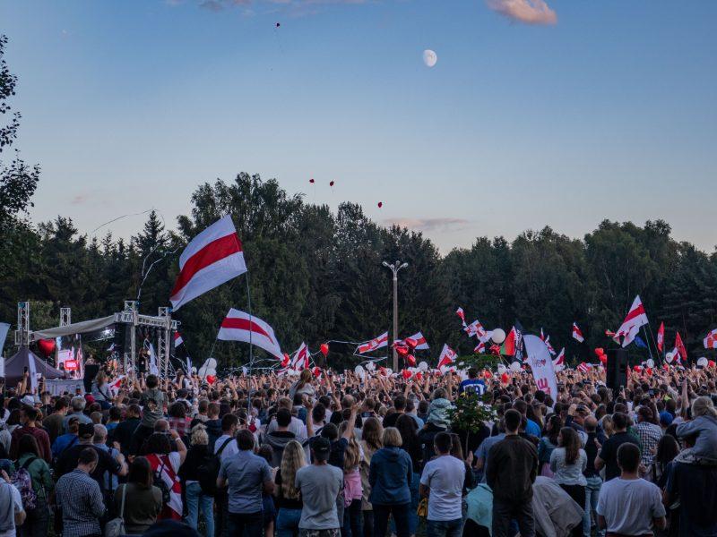 Opozycyjny wiec na Białorusi, źródło: Wikipedia, fot. Homoatrox (CC BY-SA 3.0)