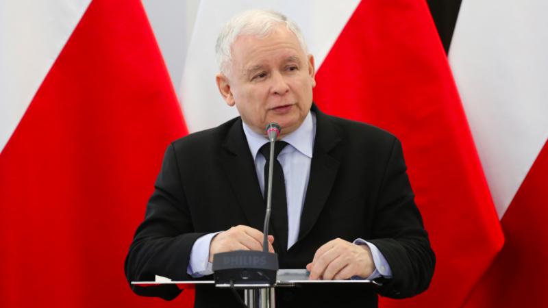 Prezes Prawa i Sprawiedliwości Jarosław Kaczyński zapowiada zmniejszenie liczby ministerstw, źródło: Flickr/Sejm RP, fot. fot. Rafał Zambrzycki (CC BY 2.0)