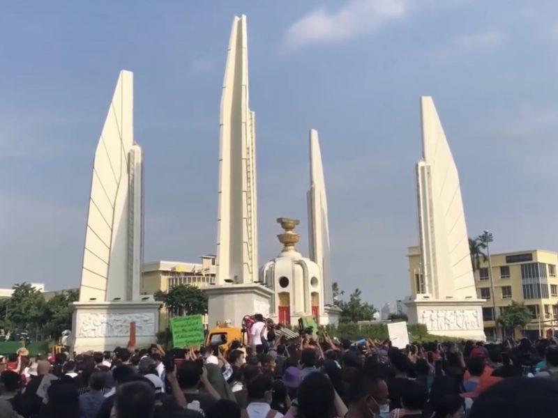 Protest w stolicy Tajlandii Bangkoku, źródło: Wikipedia, fot. Prachatai (CC BY 3.0)