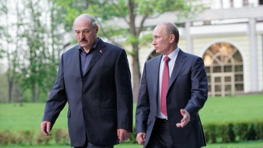 Aleksander Łukaszenka i Władimir Putin podczas spotkania w Moskwie, źródło: archive.government.ru (CC BY 4.0)