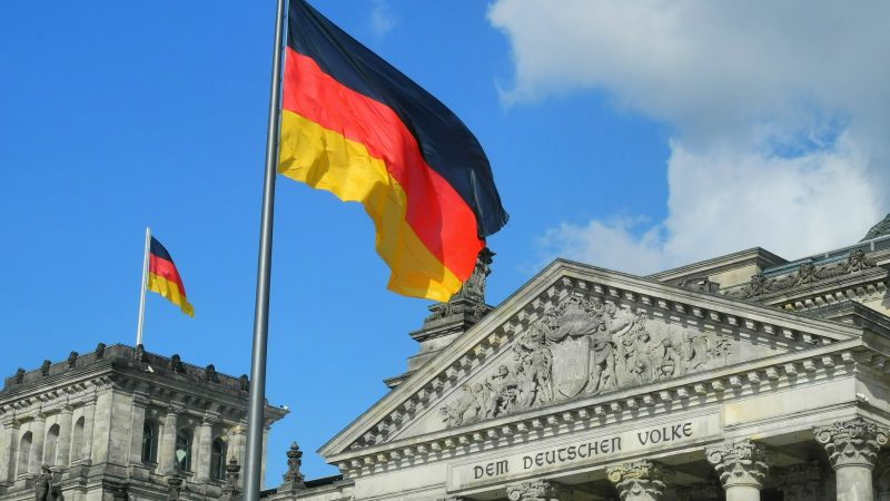 Budynek Reichstagu, fot. Karlheinz Pape [Pixabay]