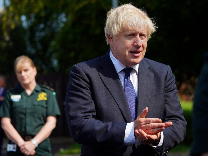 W poniedziałek pojawiły się doniesienia medialne jakoby rząd Borisa Johnsona (na zdj.) planował zmienić zapisy dotyczące tzw. protokołu irlandzkiego.