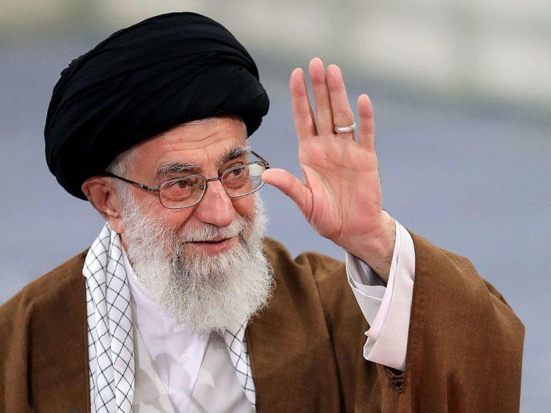 Ajatollah Ali Chamenei [Wikimedia Commons, Mbazri, CC BY 4.0]