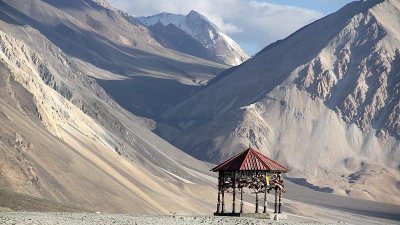 Chińsko-indyjskie pogranicze w Himalajach, źródło: Pikrepo (CC0 Public Domain)