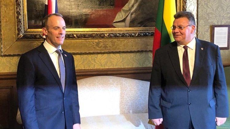 Ministrowie spraw zagranicznych Wielkiej Brytanii (Dominic Raab) i Litwy (Linas Linkevičius)