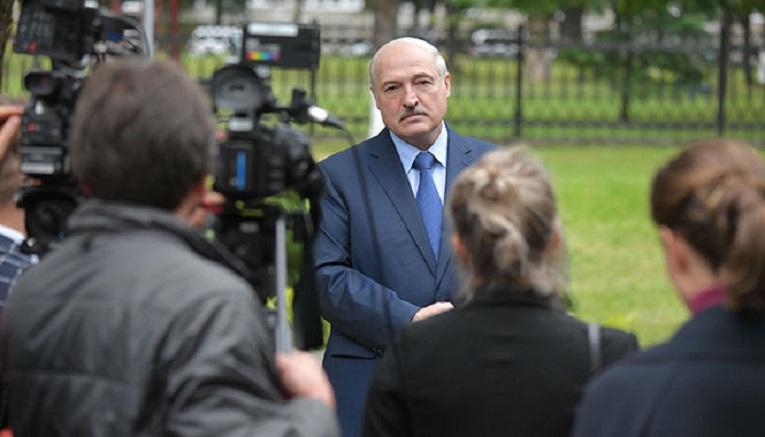 Prezydent Białorusi Alaksandr Łukaszenka, konf.pras. w Baranowiczach 1.09.20, źródło president.gov.by
