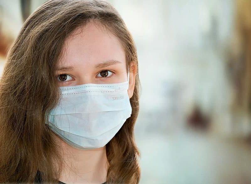 We Francji rośnie mocno liczba nowych zakażeń koronawirusem (źródło: Pikist, CC0 Public Domain)
